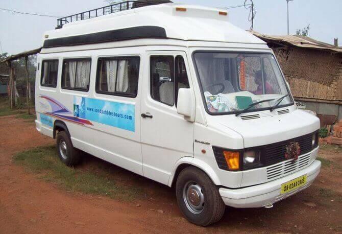 ओडिशा में किराए के लिए टेम्पो यात्री